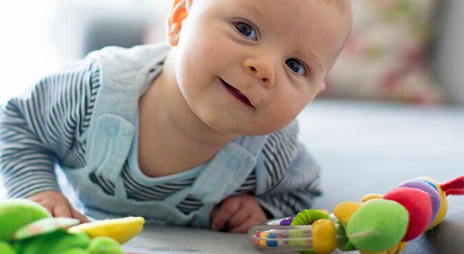 Divertidos juegos para tu recién nacido | Más Abrazos by Huggies